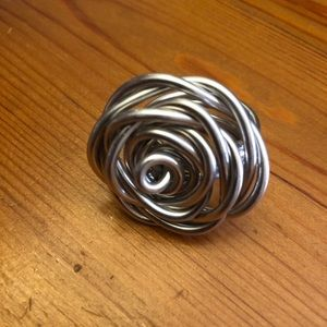 Women's twisted wire rose ring